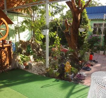 2.Вид с терассы во двор