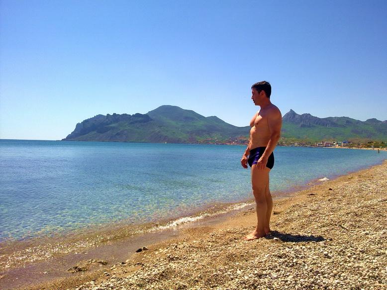 Фото мужчин на пляже в Крыму, Коктебеле. | Планета Коктебель